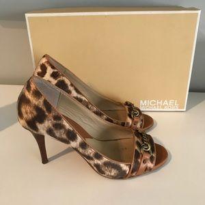 Leopard print Michael Kors pumps